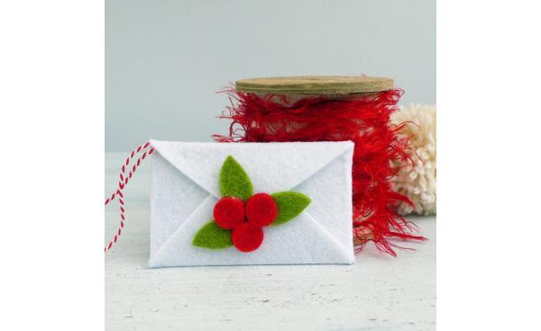 DIY Felt Envelope Christmas Ornament