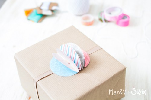 Paper Pom Pom for Gift Wrapping