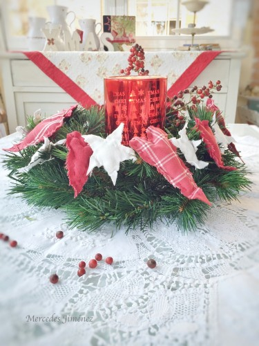 A vintage candle wreath Xmas