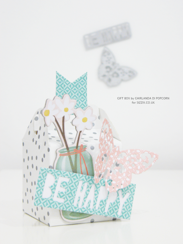 Be Happy Gift Box 1 {Ghirlanda di Popcorn}