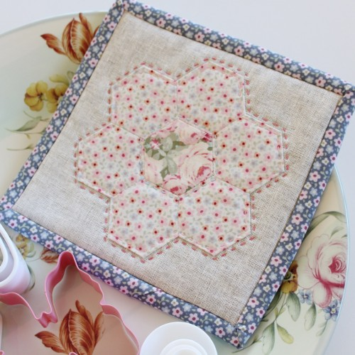 Make a Hexagon tutorial by Molly and Mama - 30