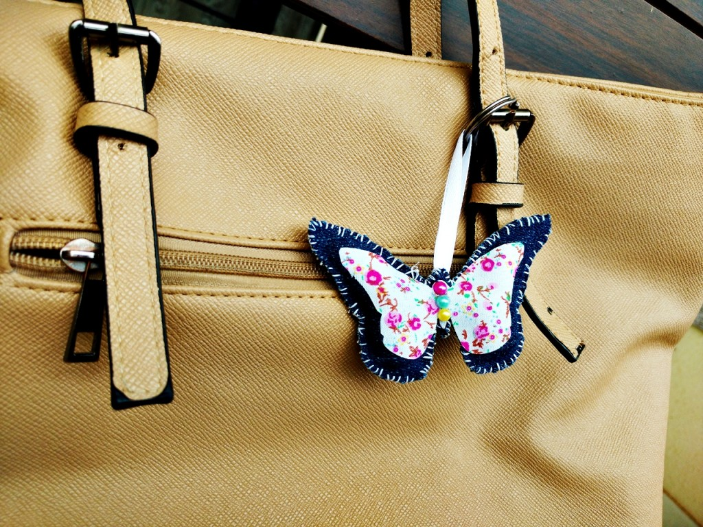 DIY-Fabric-butterfly-keychain-Sizzix-by-Jasleen-Kaur-1
