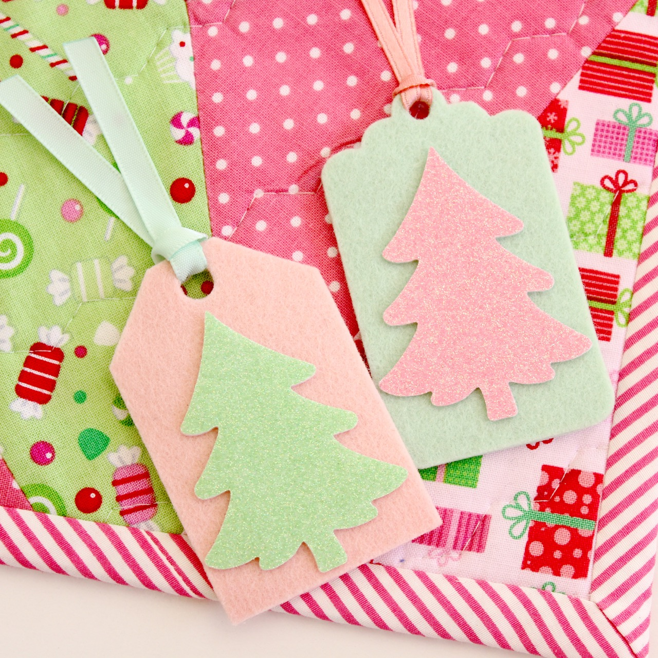 Christmas felt tags by Molly and Mama - 10