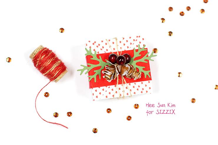 Christmas_Pine_Cone_Gift_Box_05