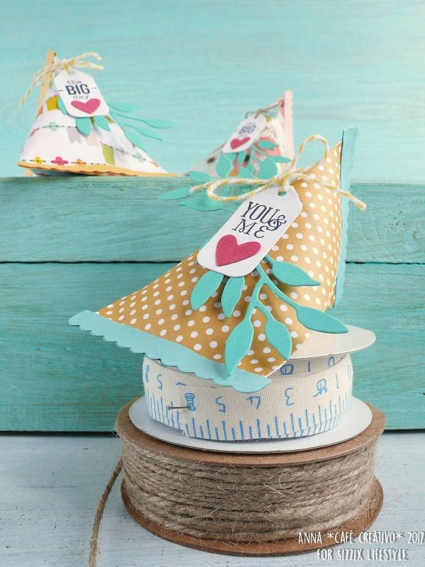 party-favour-triangle-gift-box-sizzix-die-2