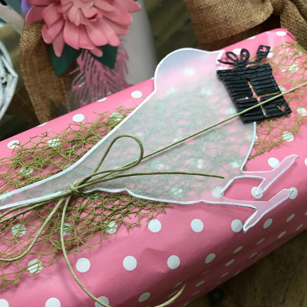 Clear bird gift wrapping