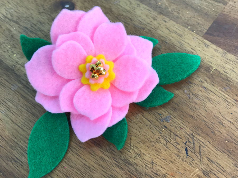 felt_flower_broach