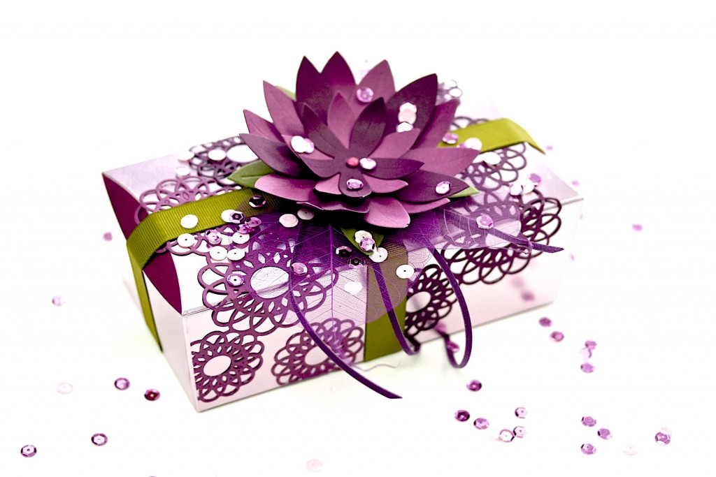 Moroccan Flower Gift Wrapping
