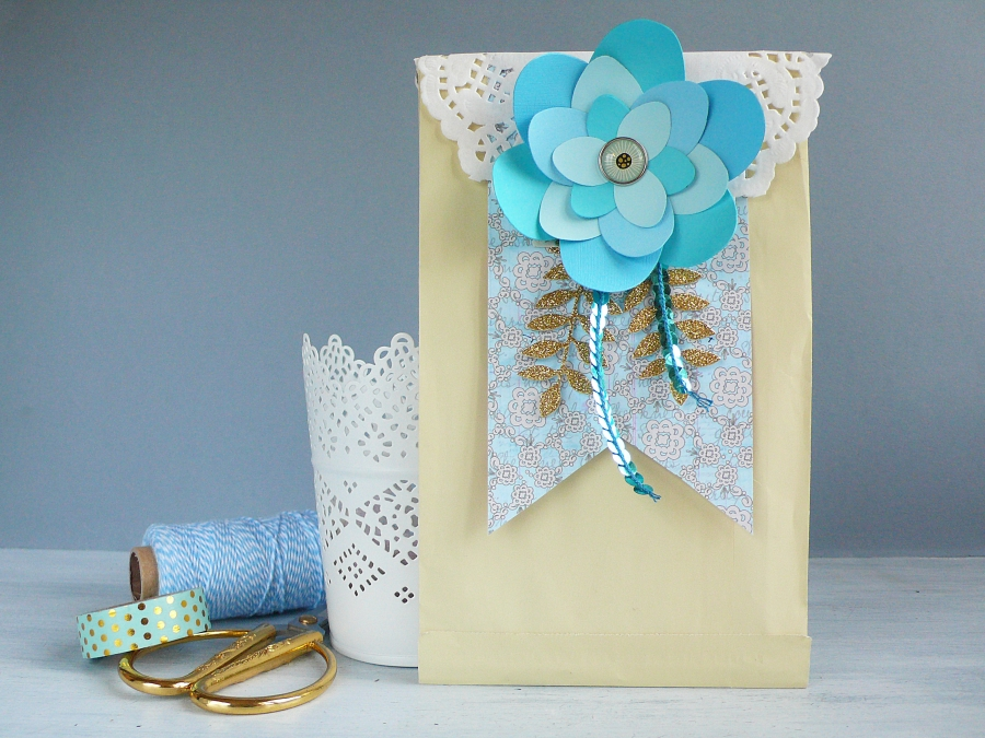 DIY Gift wrap with Sweet Lotus flower