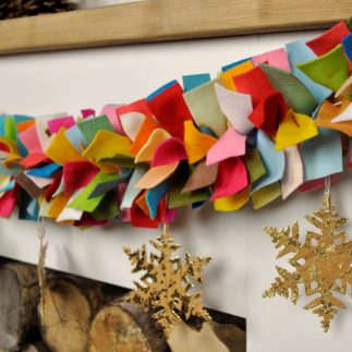 DIY Anthropologie inspired Christmas felt garland