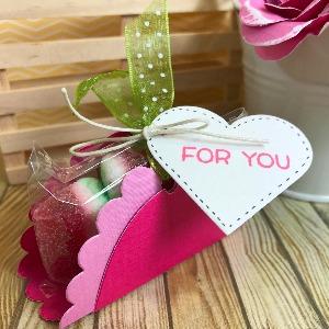 Valentine's sweets holder