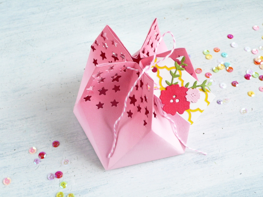 How to make a Star Gift Bag Video tutorial