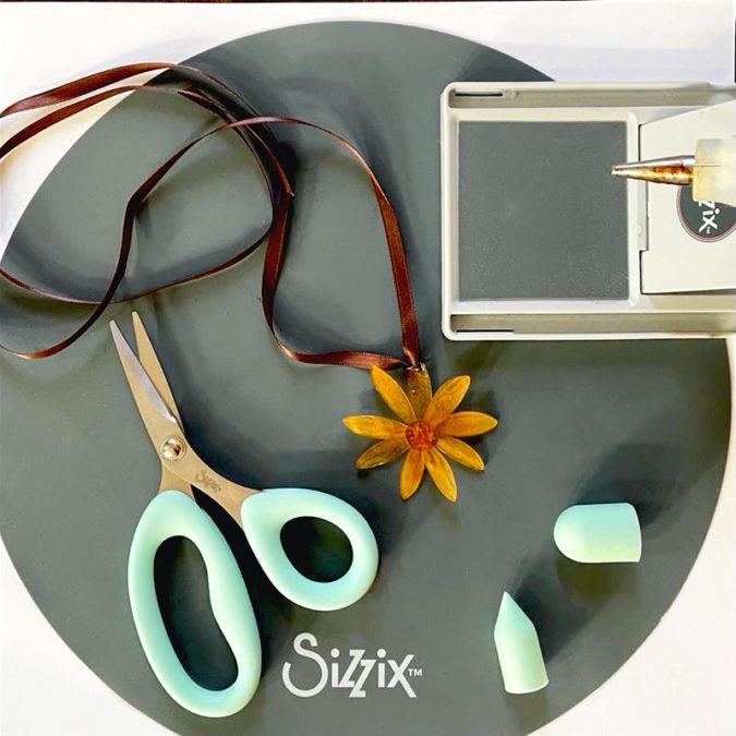 Making Shrink Plastic Jewellery